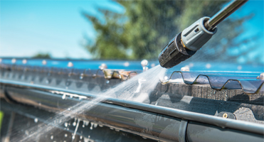 eavestrough gutters cleaning